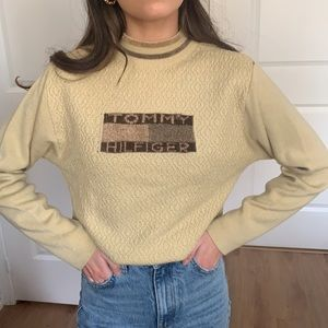Vintage Tommy Hilfiger Logo knit sweater size S:M